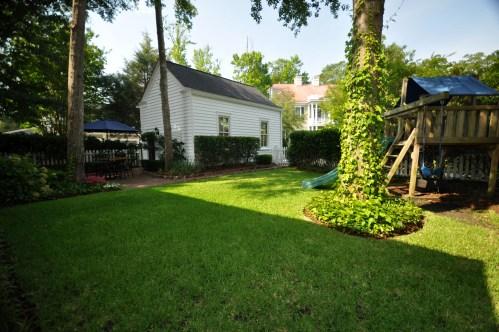 Good backyard landscaping in Charleston SC